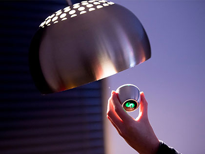 Spin remote bedient lamp